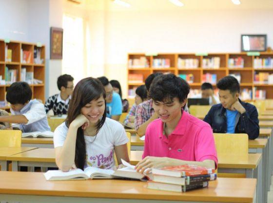 Tự học là phương pháp chủ yếu giúp thí sinh nâng cao kiến thức bản thân