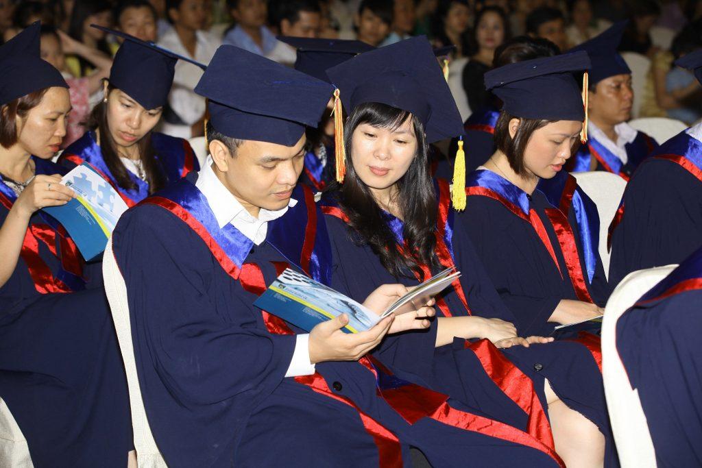 Tuyển sinh cao học cũng thu hút nhiều sinh viên tham gia