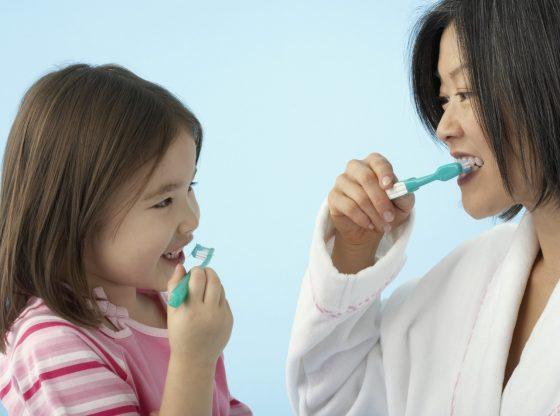 Đánh răng 2 đến 3 lần một ngày là kiến thức nha khoa phổ thông mà chúng ta cần biết